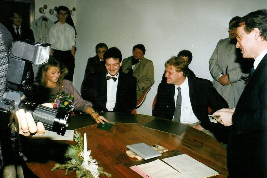 Registry office at 29th December 1989.
