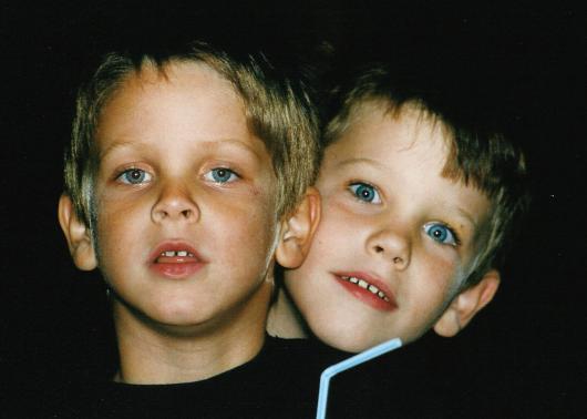 Kinder jung