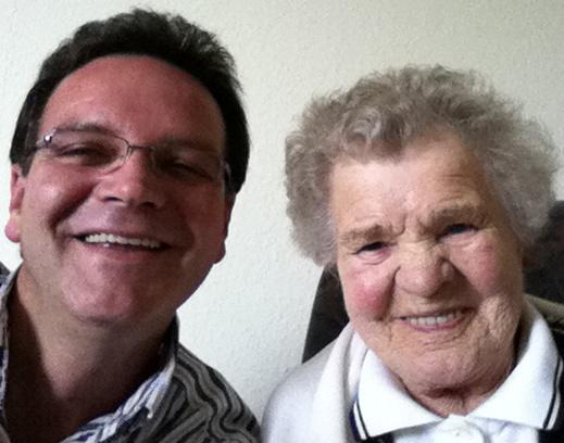 Michael mit seiner Oma