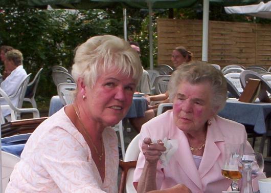 Anita Koch und Gertrud Wolff 2007